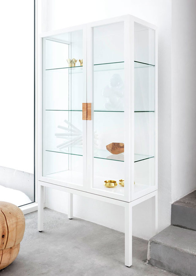 Asplund Furniture, FRAME glass cabinet, white, product styling