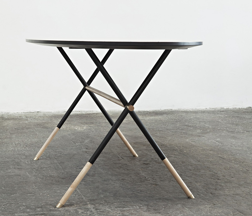 Piuma Table by Italian Furniture Designer Pietro Russo | Yellowtrace.
