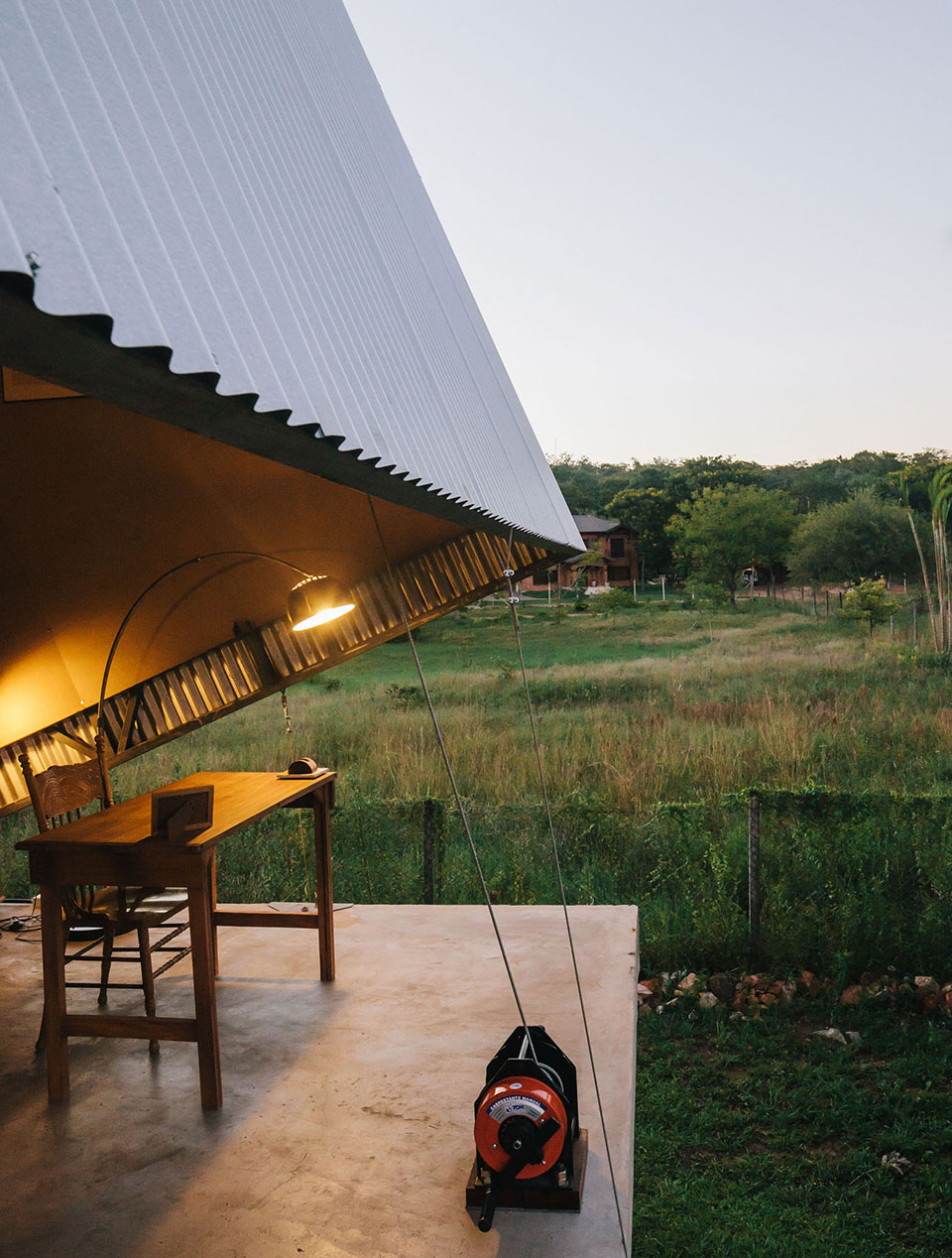 Caja Oscura House in Paraguay by Javier Corvalan | Yellowtrace.