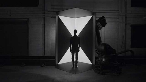 Projection Mapping on Moving Surfaces by Bot & Dolly [TV].